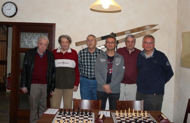 Gerlingen III in der Saison 2016/17 (vlnr) Walter Peter, Winfried Aust, Rolf Burkert, Toni Drianis, Hans Panas, Mannschaftsführer Klaus Bischoff