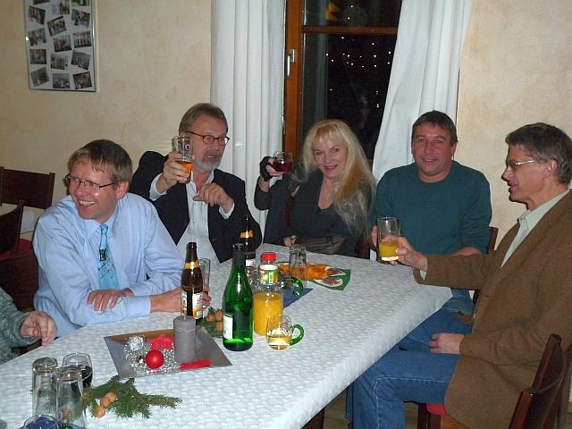 Gemütliches Beisammensein bei der Weihnachtsfeier 2010