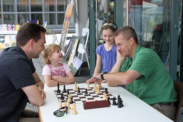"""Schach begeistert Jung und """"alt"""""""