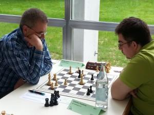 Mit Weiß am letzten Spieltag ein Remis erkämpft: Harald Ellinger vs. Paraskeva Vasiliadis