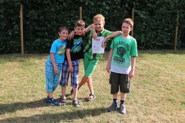 Die Gewinner der Kreisjugend-Mannschaftsmeisterschaft 2015: Faruk, Timon, Ronald und Victor.